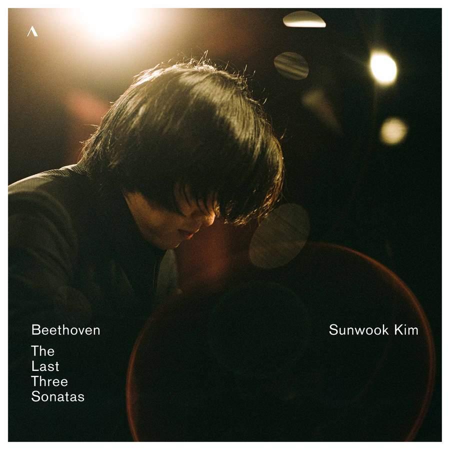 Review of BEETHOVEN Piano Sonatas, Op 109-111 (Sunwook Kim)